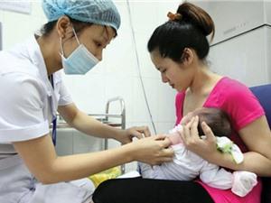 Tiêm miễn phí vaccin bại liệt cho trẻ