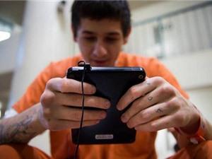 Mỹ phát miễn phí hơn 51.000 máy tính bảng cho tù nhân