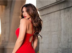 Phụ nữ quyến rũ hơn khi mặc trang phục màu đỏ