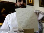 Thư viết tay của Einstein được đấu giá hơn 100.000 USD