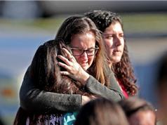 Tập dượt chống xả súng với học sinh Mỹ