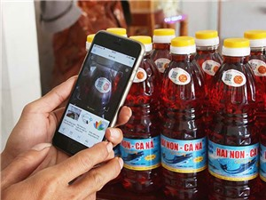 Ninh Thuận: Dán tem điện tử truy xuất nguồn gốc nước mắm