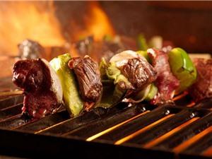 Thường xuyên ăn thịt nướng tăng nguy cơ cao huyết áp