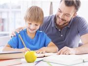 Cha mẹ ở nước nghèo dành nhiều thời gian giúp con làm bài tập hơn
