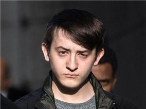 Giỡn mặt với giám đốc CIA, tin tặc trẻ lĩnh án 2 năm tù