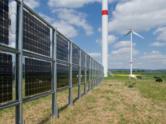 Pin điện mặt trời kiểu mới có thể tạo ra điện ở cả hai mặt của mô đun