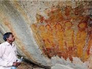 Bức tranh hang động 10.000 năm tuổi nghi vẽ hình UFO