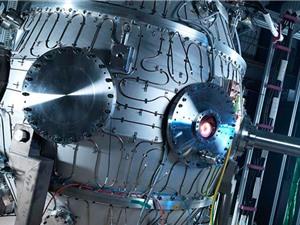 Lò phản ứng nhiệt hạch cỡ nhỏ tạo ra nhiệt độ nóng hơn Mặt Trời