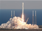 SpaceX đưa robot AI và chuột vào không gian