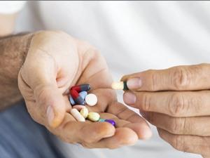 Tại sao không nên lạm dụng vitamin tổng hợp hỗ trợ tim mạch?