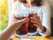 Thường xuyên uống nước ngọt có ga gây hại cho khả năng sinh sản