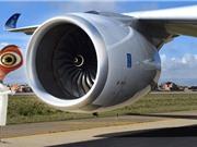 """Rolls-Royce chế tạo """"robot gián"""" để sửa động cơ máy bay"""