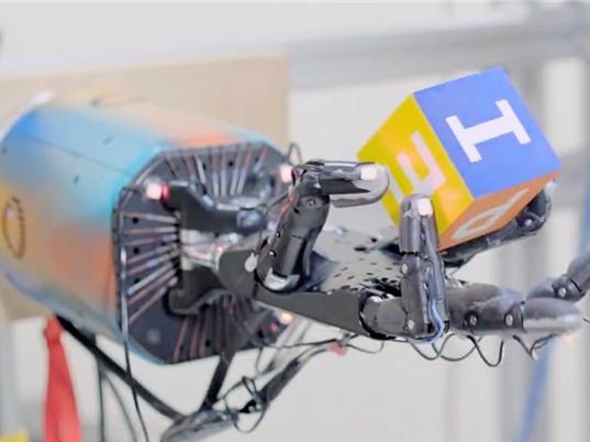 [Video] Bàn tay robot tích hợp AI tiên tiến