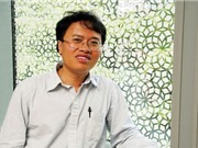 GS Đàm Thanh Sơn nhận huy chương vật lý Dirac