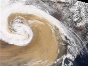 [Ảnh] Những cơn bão bụi dữ dội nhất Trái đất được chụp từ không gian sẽ trông như thế nào?