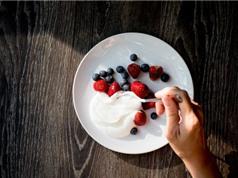 Ăn sữa chua có hại hơn uống nước ngọt?