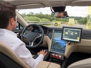 """Đồng sáng lập Apple: """"Trí tuệ nhân tạo không bao giờ đủ thông minh để điều khiển xe ô tô"""""""