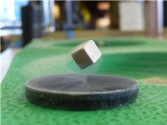 """AI giúp tìm hiểu """"vật chất tối"""" của các vật liệu siêu dẫn kỳ lạ"""