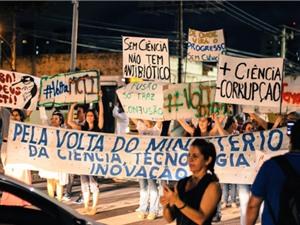 Khoa học Brazil - Tương lai không xác định