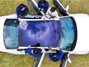 Viễn cảnh xe hơi có nóc lợp pin mặt trời