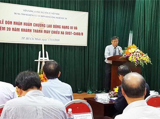 Trung tâm Nghiên cứu và triển khai công nghệ bức xạ đón nhận Huân chương Lao động hạng Ba