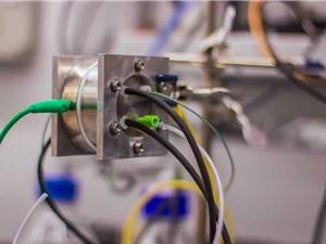Đột phá: Quang hợp nhân tạo có thể biến CO2 thành nhựa với giá rẻ