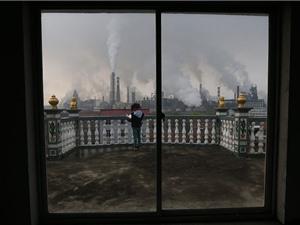 Phát thải carbon công nghiệp toàn cầu lên mức cao nhất mọi thời đại