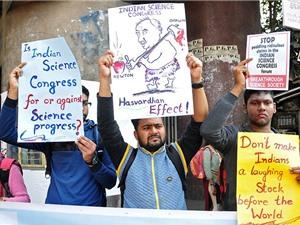 Các nhà khoa học Ấn Độ phản đối các tuyên bố phản khoa học