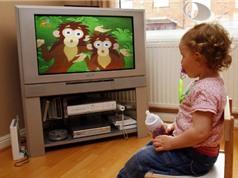 Trẻ em xem tivi, máy tính nhiều có nguy cơ bị béo phì, tăng động