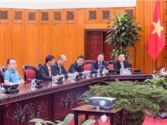 Thủ tướng gặp mặt nhóm kỹ sư trẻ chế tạo vệ tinh MicroDragon