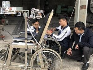 Ninh Bình: Học sinh Việt sáng chế giường hỗ trợ người mất khả năng vận động