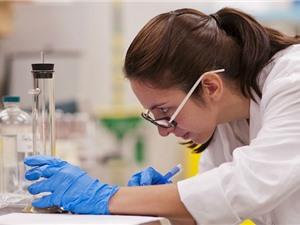 Canada cắt giảm đầu tư nghiên cứu cơ bản