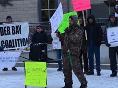 Dân Ontario kiện chính quyền vì hủy thử nghiệm chương trình thu nhập cơ bản