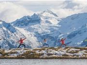 Tập yoga tại công sở giúp nhân viên bớt căng thẳng