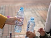 FDA đề xuất giảm hàm lượng florua trong nước uống đóng chai