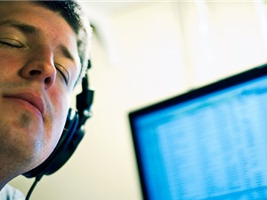 Nghiên cứu: Người buồn nghe nhạc buồn sẽ giúp cải thiện tâm trạng