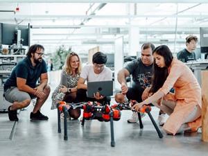 Facebook hé lộ chương trình phát triển robot