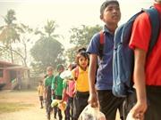 Ngôi trường Ấn Độ nhận rác thải thay học phí, 'trả lương' cho học sinh