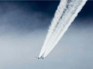 Vệt hơi nước đuôi máy bay có thể là vấn đề đối với môi trường
