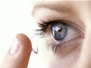 Kính áp tròng phóng to và thu nhỏ vật thể chỉ bằng việc chớp mắt