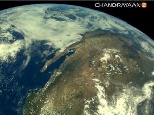 Tàu thăm dò Mặt Trăng của Ấn Độ gửi hình ảnh đầu tiên về Trái Đất