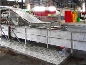 Chế tạo thành công máy rửa thanh long áp lực cao