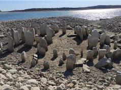 """Mộ đá 7.000 năm tuổi của Tây Ban Nha lần đầu tiên """"lộ thiên"""" sau nửa thế kỷ"""