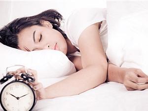 Ngủ quá ít hoặc quá nhiều đều làm tăng nguy cơ đau tim