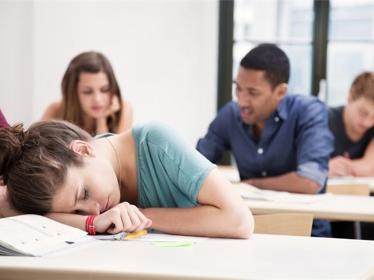 Ngủ điều độ có thể dẫn đến điểm số tốt hơn