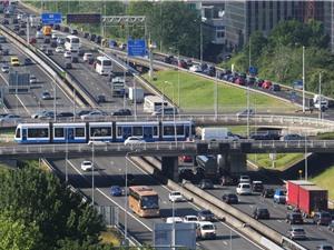 Hà Lan quy định giảm tốc độ phương tiện để chống ô nhiễm