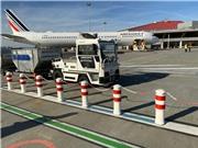 Air France thử nghiệm xe kéo hành lý tự lái