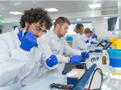 Khoa học Anh: Xáo trộn và phân vân