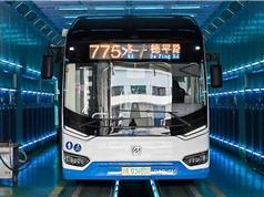 Khử trùng xe buýt bằng tia cực tím để phòng ngừa Covid-19