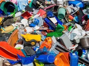Tìm ra vi khuẩn ăn nhựa